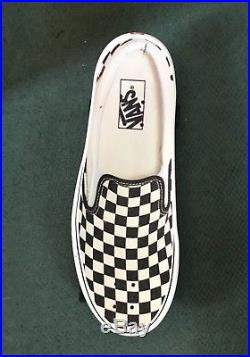 Vans Official Classic Black & White Check Skateboard 27.7 made by Santa Cruz